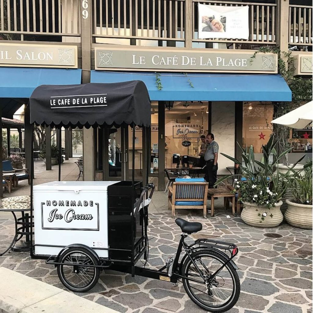 Le Cafe De La Plage Ice Cream Vending Cart