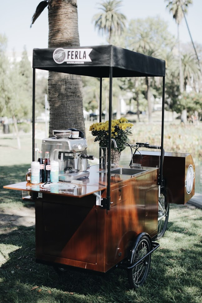 Food Cart Vs. Food Truck: Can You Have the Best of Both Worlds?